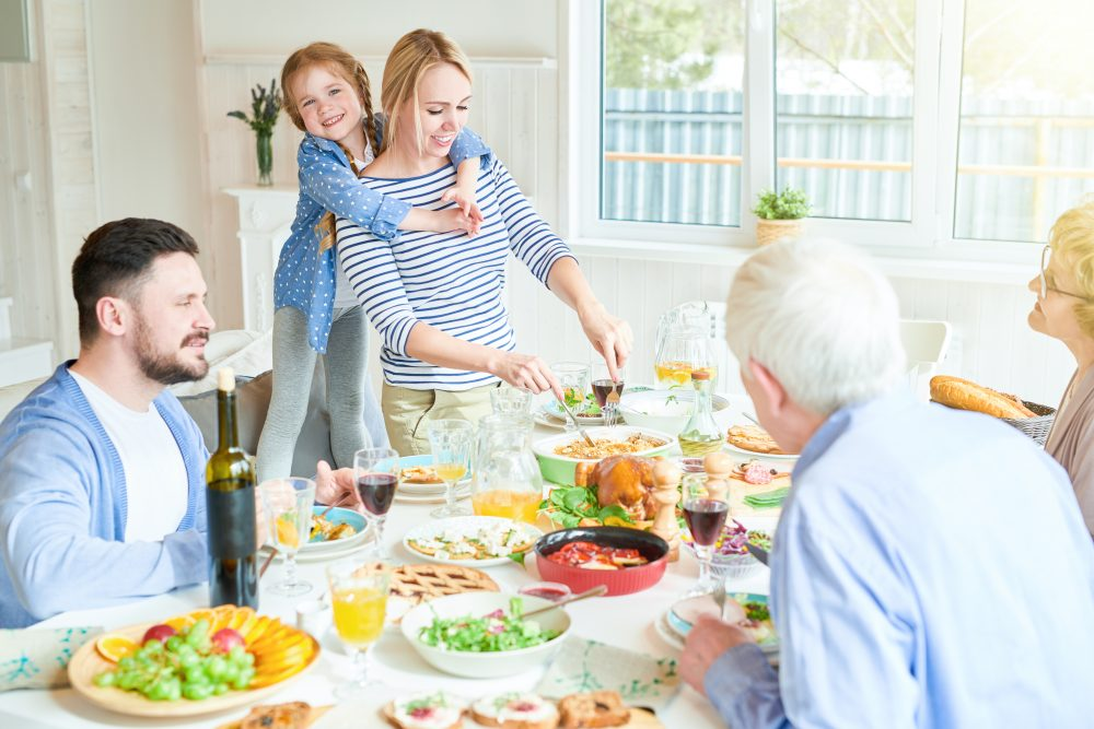 Hosting Thanksgiving This Year? Hire Cleaning Services Before and After